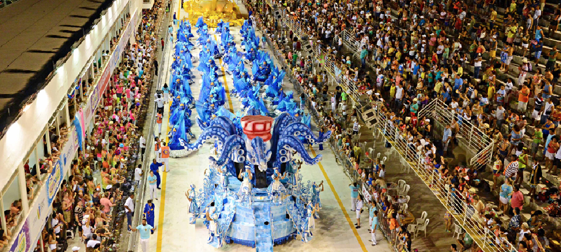 Foto com desfile de Carnaval de Vitória 2015 ilustra case Case Gestão de Crise Carnaval de Vitória 2015 - Aldeia Conteúdo